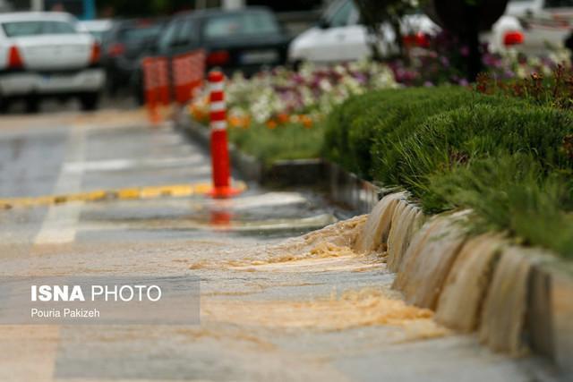 6 حادثه ناشی از بارندگی در مشهد تاکنون