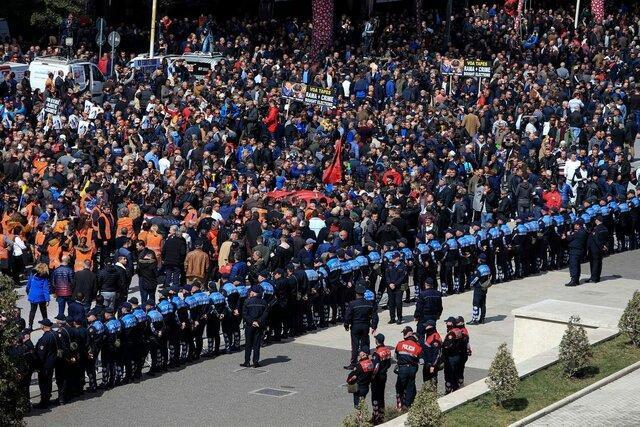 تظاهرات ضد دولتی در پایتخت آلبانی در پی افزایش فساد و جرایم سازمان یافته