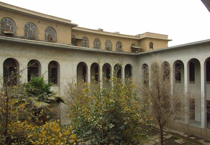 تأکید استاندار خوزستان برای سامان دهی بنای تاریخی دانشکده سه گوش اهواز
