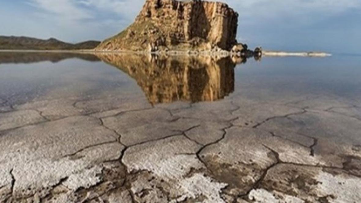 کاهش 300 میلیاردی اعتبار تخصیص یافته برای احیای دریاچه ارومیه