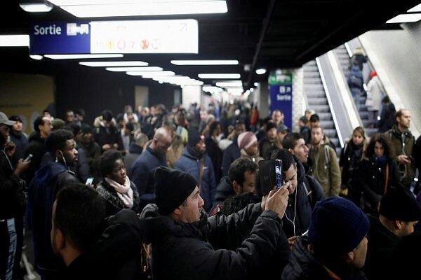 تداوم اعتصابات سراسری فرانسه در روز سیاه