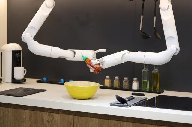 بازوهای رباتیک سامسونگ در آشپزخانه!