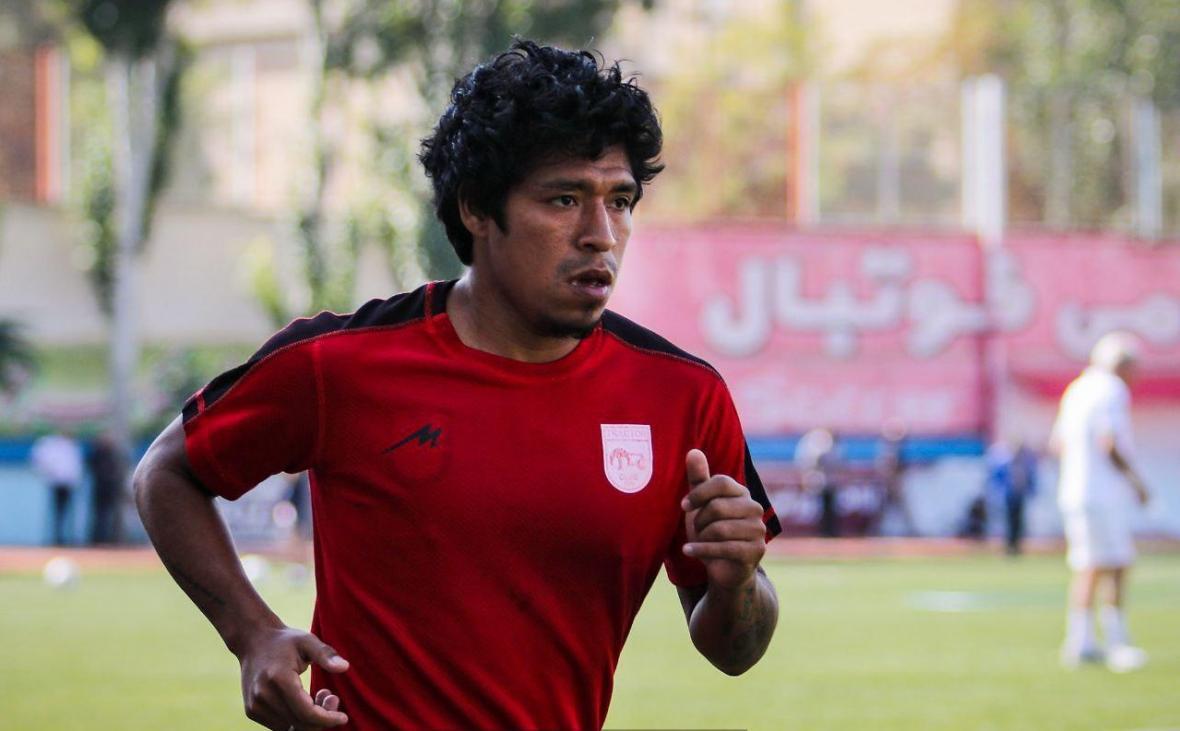 بازیکن پرویی تراکتور به ایران بازگشت