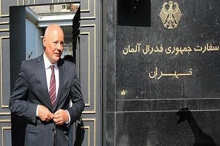 سفیر آلمان سوار بر نیسان از سرانجام ماموریتش در تهران اطلاع داد(