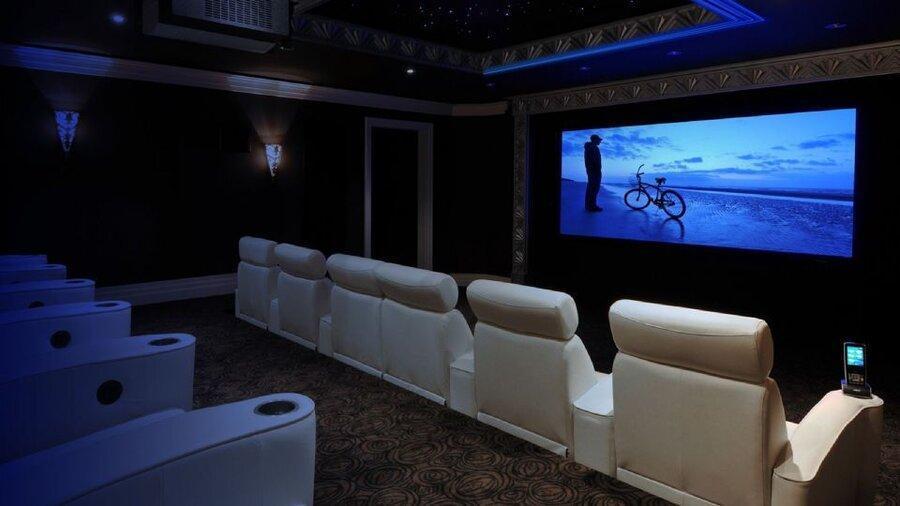 اکران اختصاصی فیلم ها در برج های لاکچری ، ادعای تازه درباره درآمدزایی جدید بعضی فیلم های سینمایی
