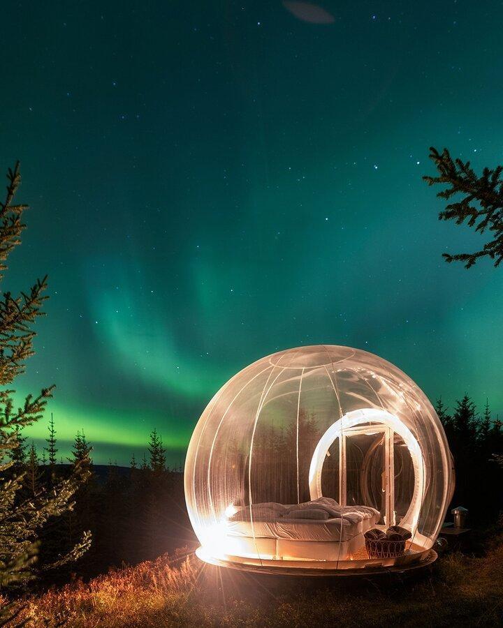 زیر آسمان پر ستاره بخوابید و از هتل حبایی شفق قطبی را نگاه کنید