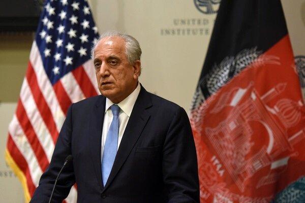 خلیلزاد از توافق کابل و طالبان بر سر نقشه راه مذاکرات اطلاع داد