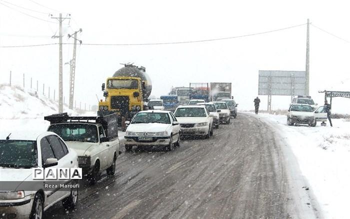بارش باران و برف در جاده&zwnjهای 6 استان