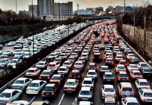محدودیت تردد شبانه در تهران را از ساعت 21 به 22 تغییر دهید