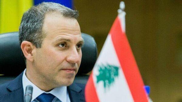 خبرنگاران رهبر جریان ملی آزاد لبنان بر تشکیل هرچه سریعتر کابینه تاکید نمود