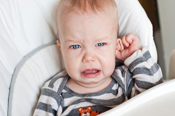 عفونت گوش نوزادان را چگونه درمان کنیم؟