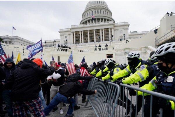 رئیس پلیس کنگره آمریکا از سمت خود استعفا داد
