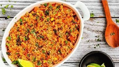 طرز تهیه پلو گوشت مکزیکی؛ غذایی آسان و خوشمزه